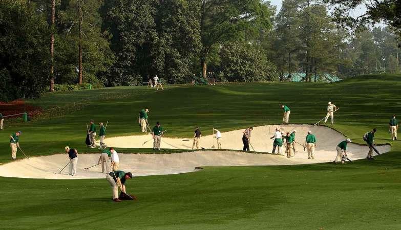golf court maintenance