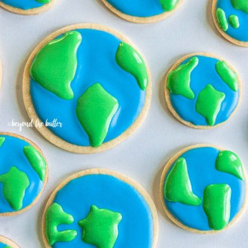 Earth Day Cookies tutorial | All Images © Beyond the Butter, LLC