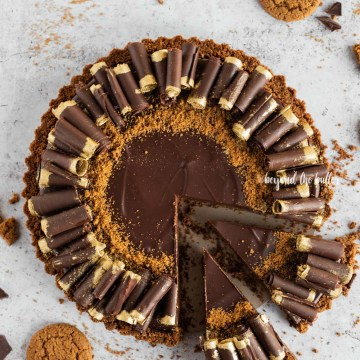Dark Chocolate Gingersnap Tart recipe | All Images © Beyond the Butter, LLC