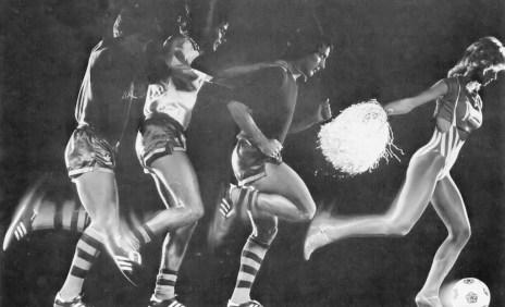 Tampa Bay Rowdies chase a cheerleader