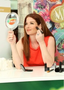 Debra Messing and Zyrtec Help You Combat Allergy Face