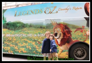 Legends of OZ: Sing Along Bus Tour With The Holderness Family #LegendsofOz #OzInsiders #FHEInsiders