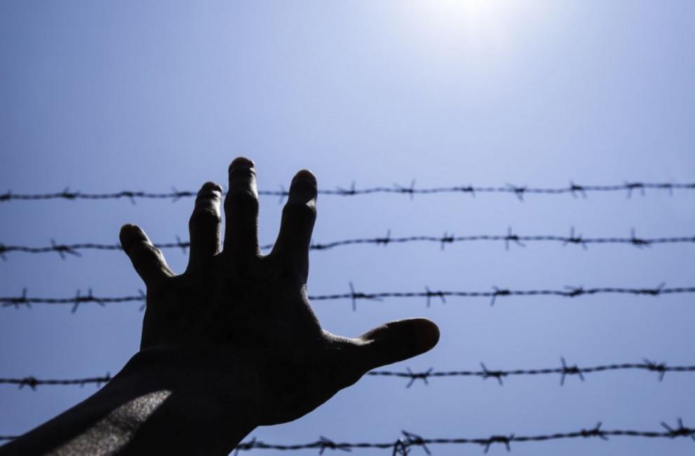 Австрия и Румъния задържаха трафиканти на бежанци