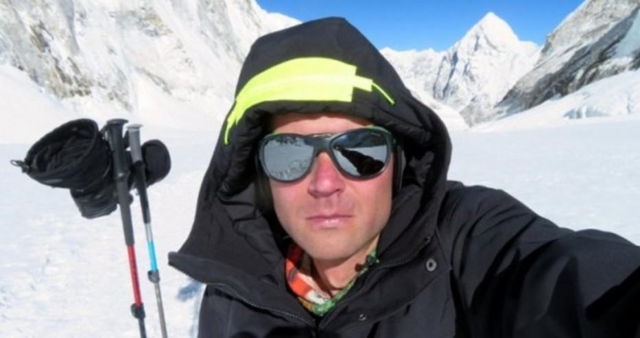 Алпинистът Иван Томов е загинал на слизане от връх Лхотце