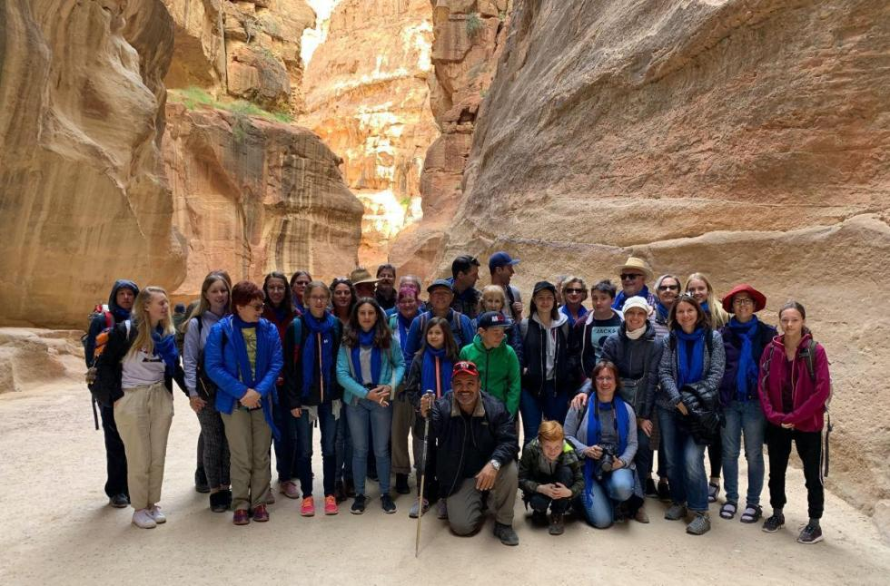 Die Pilgergruppe im jordanischen Petra