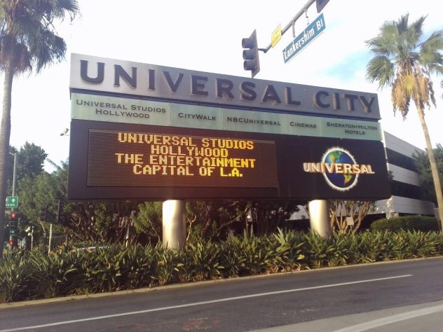 Universal City entrance