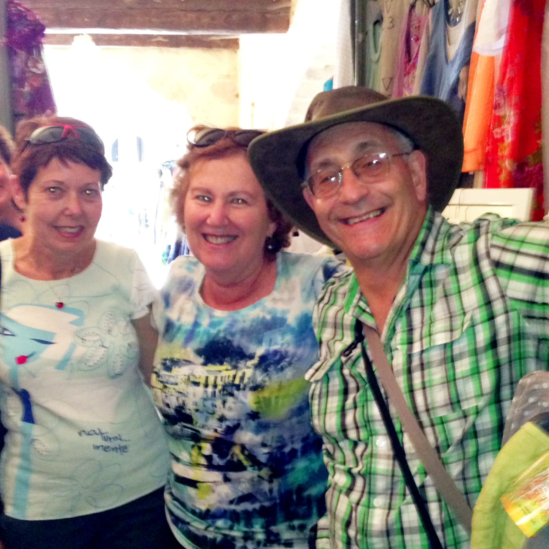 Australian friends and fashion advisors in Uzes