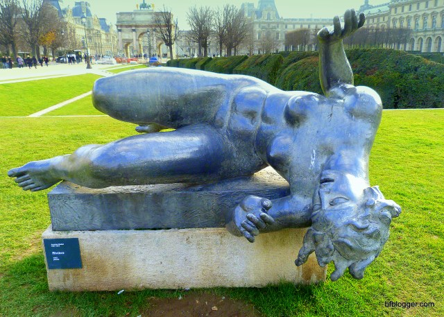 Statue at Tuileries