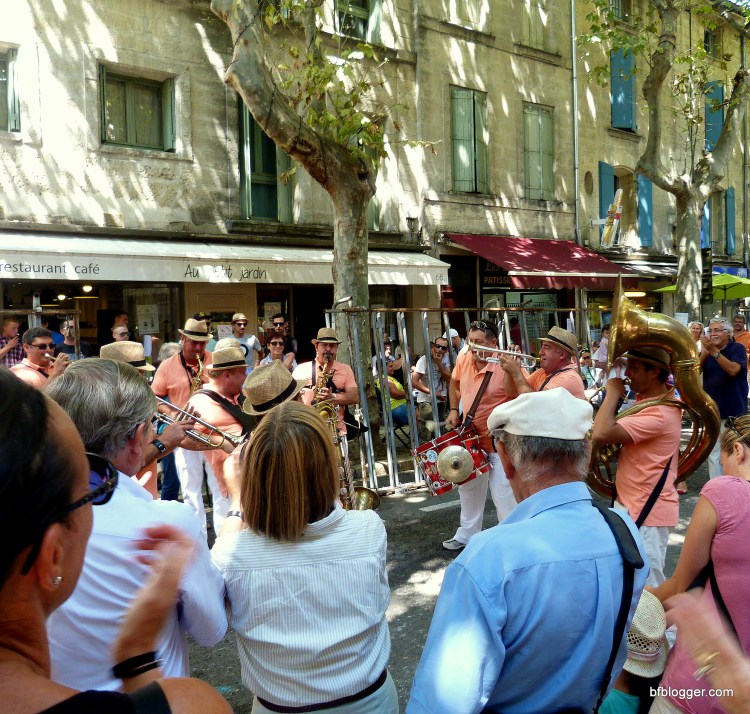 People cheering the brass bands