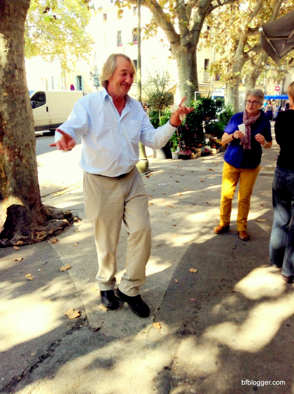 local artists in Uzes