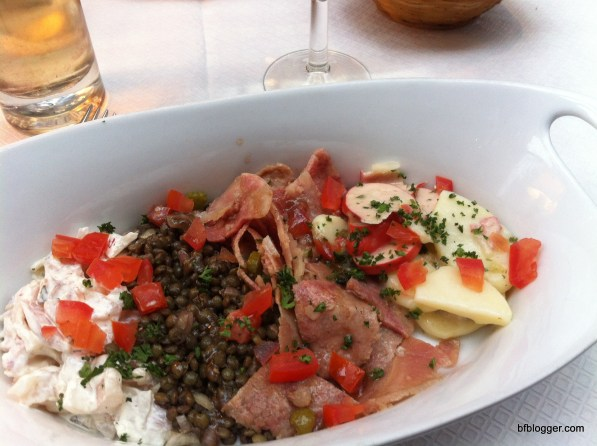 """""""Bouchon de Lyonaisse"""" Salad in Lyon, France"""