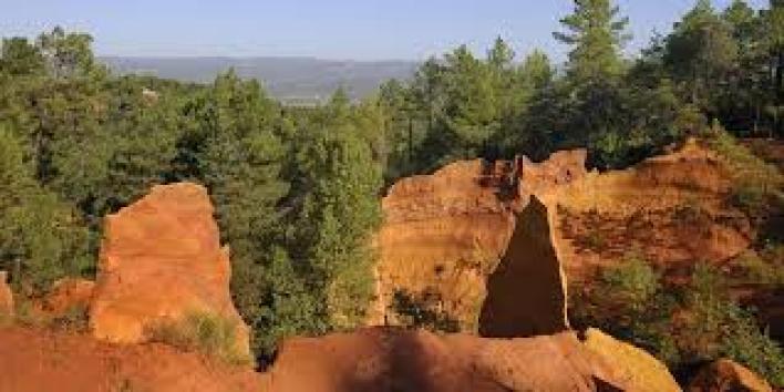 Visit Roussillon