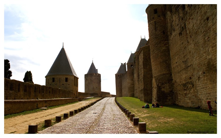 The early fortifications at Carcassonne consisted of two lines of walls and a castle,