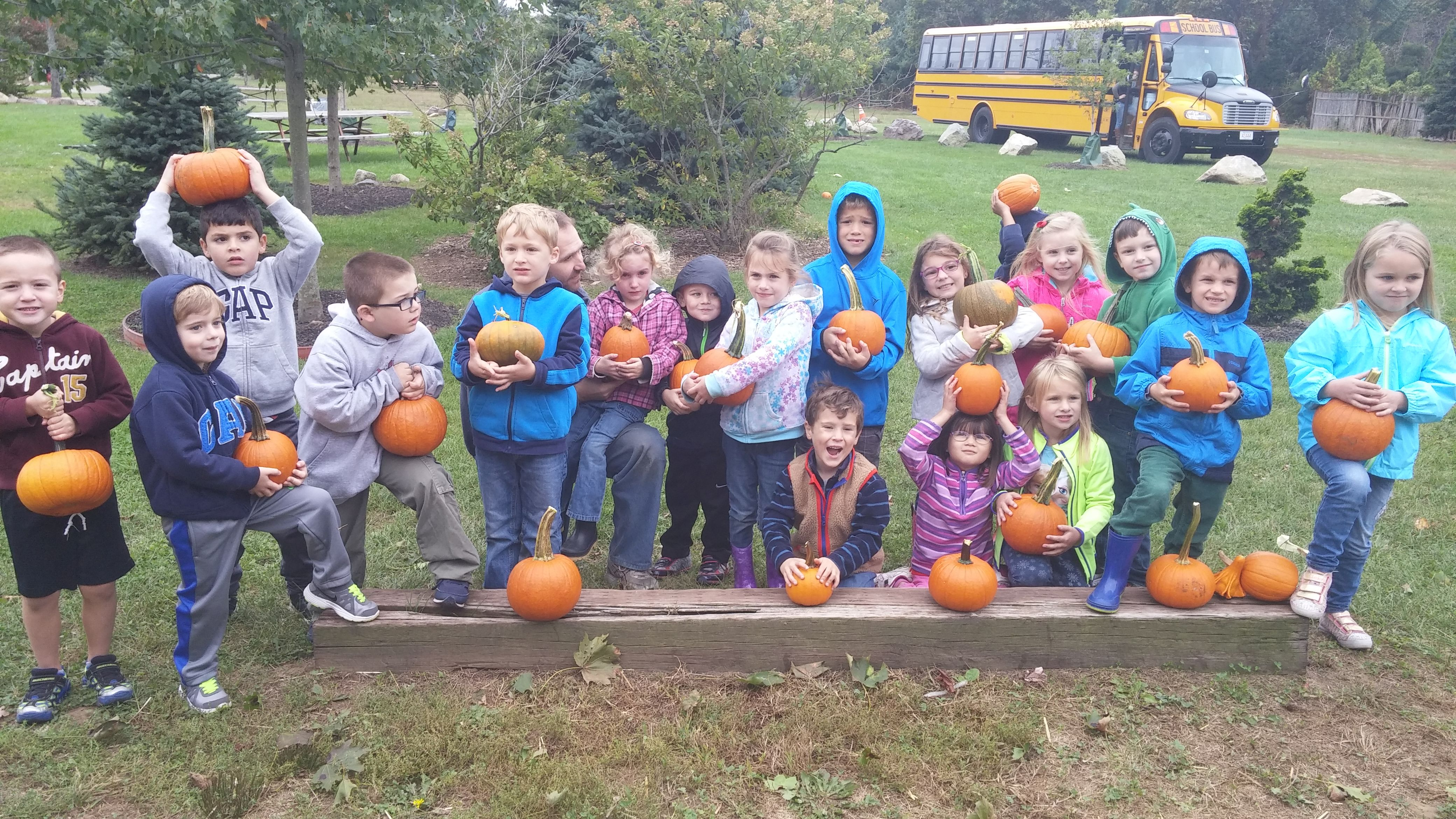 Kindergarten Field Trip To Ward S Berry Farm