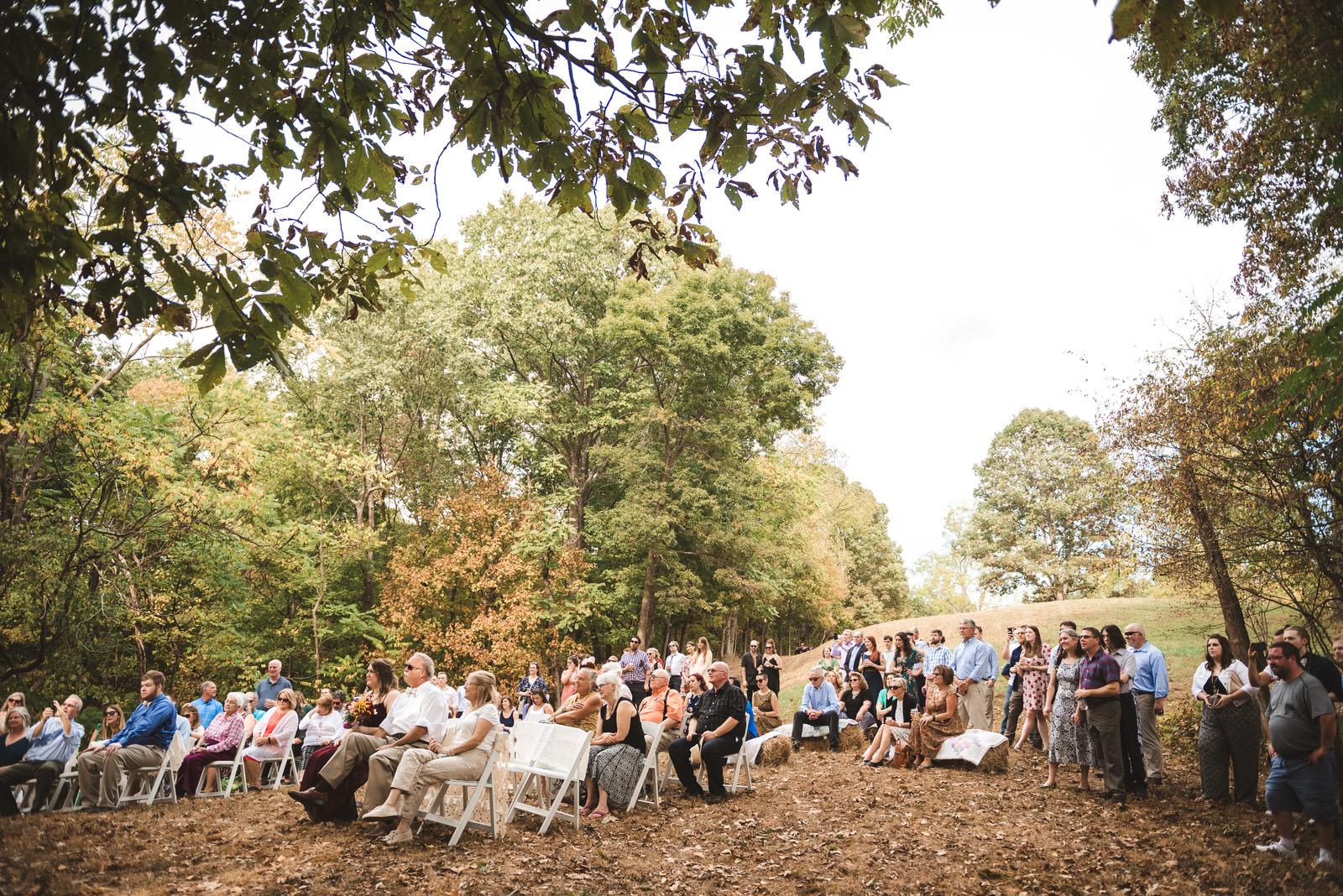 outdoor-family-farm-wedding