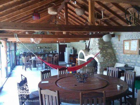 Дневната-в-къща-за-гости-Левана-Българево