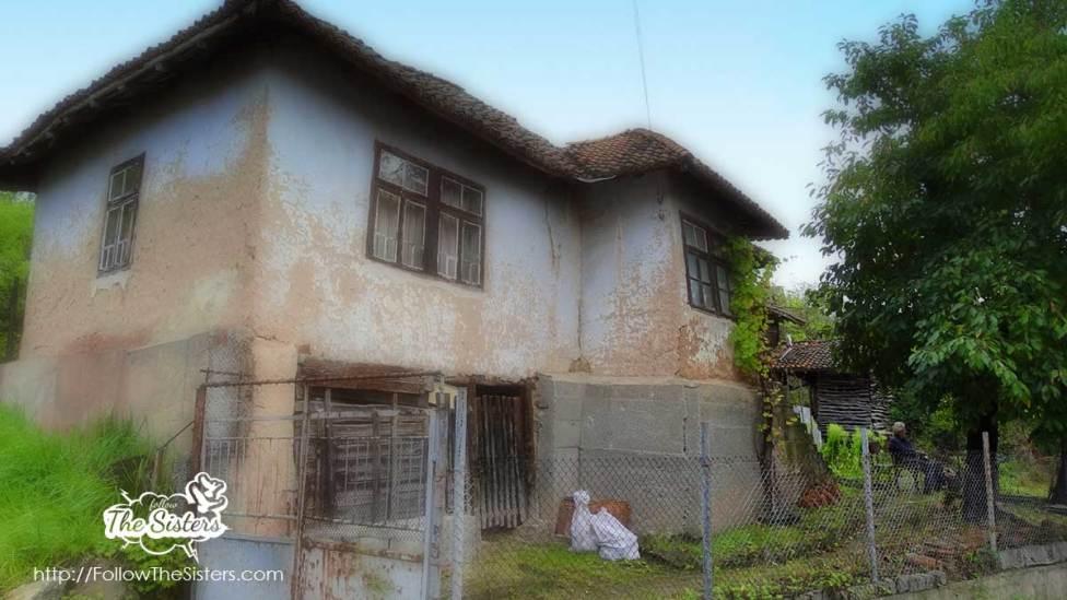 Дядото-който-чака-къщата-в-Зеленигад-да-падне