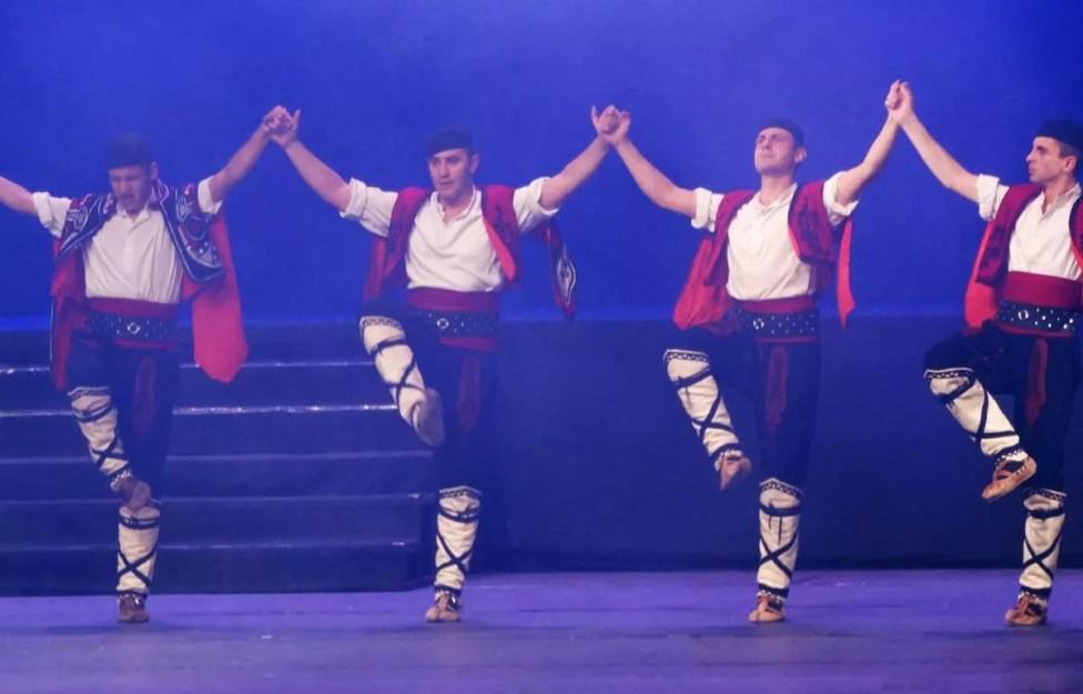 Народни-танци-София