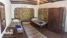 Отделни-легла-в-къща-за-гости-Левана-Българево