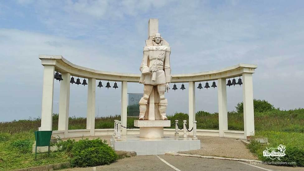 Паметник на Ген. Ушаков на нос Калиакра