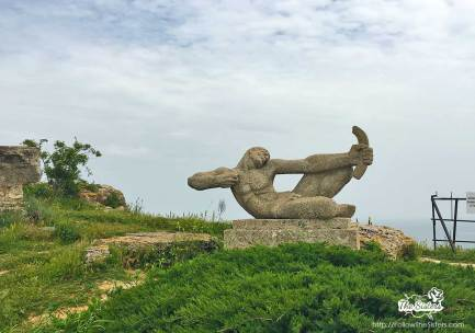 Паметник на незнаен младеж на нос Калиакра