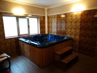 Dzhakuzito-v-hotel-Neptun