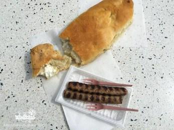 Хляб и кебапчета на Карандила