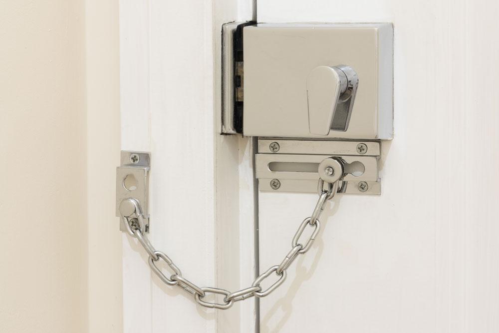 door-chain-lock