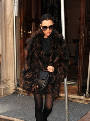 Victoria Beckham nos demuestra lo que es el glamour