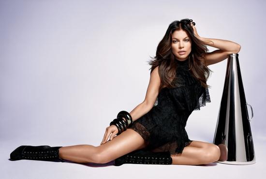 Jon Bon Jovi y Fergie vuelven anunciando fragancias para Avon