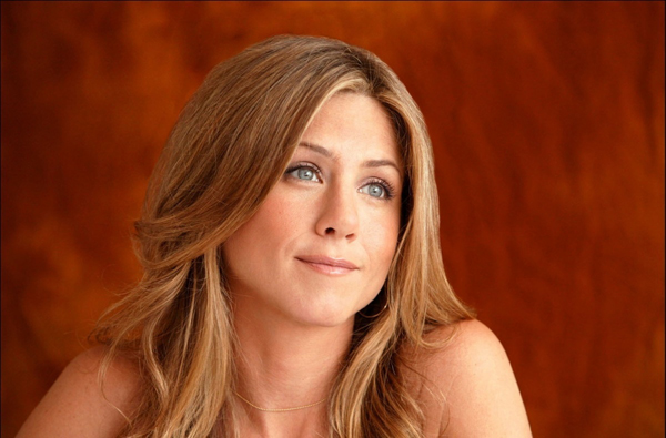 Jennifer Aniston ficha por Aveeno