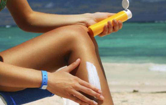 ¿Cómo puedo prevenir las alergias solares?, ¿puedo tratarlas?