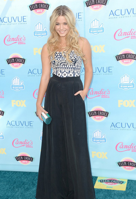 Ashley Bilson en Teen Choice Awards 2013