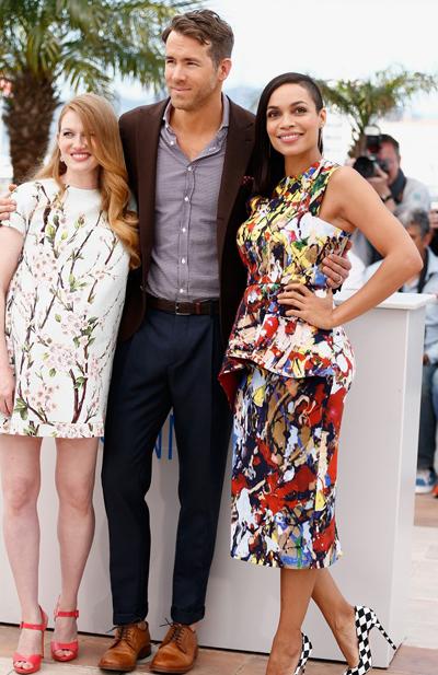 Rosario Dawson y Ryan Reynolds en el Festival de Cannes 2014