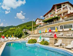 Семеен Хотел Планински Рай - един от най-добрите СПА хотели в Шипково с минерален басейн