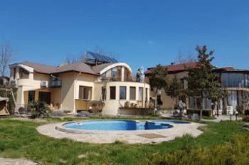 Комплекс Максим - един от най-добрите хотели във Варна до Морската градина