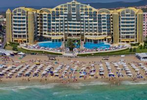 Хотел Виктория Палас на брега на морето