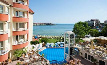 Хотел Вила Лист - един от най-добрите хотели в Созопол на първа линия ол инклузив