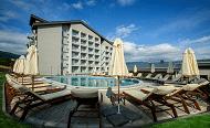 плувен басейн с минерална вода на Парк Хотел Кюстендил