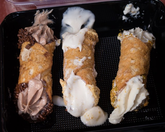 Busch Gardens Williamsburg Food and Wine Festival 2017 Mini Cannoli Trio