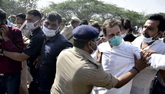Video Breaking : नोएडा में गिर पड़े राहुल गांधी, पुलिस से हुई धक्का मुक्की