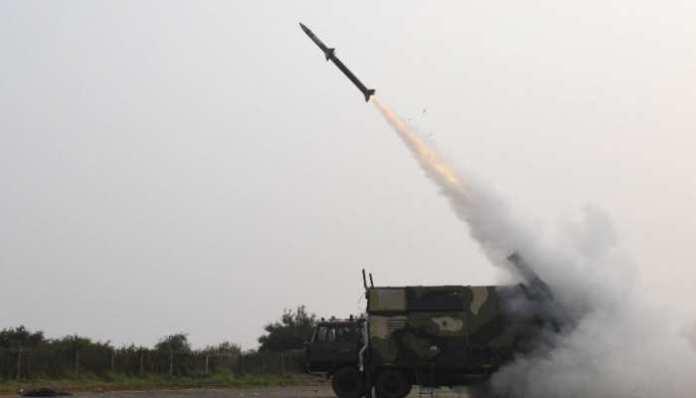 GOOD NEWS: आकाश मिसाइल के नए संस्करण का सफल परीक्षण किया भारत ने