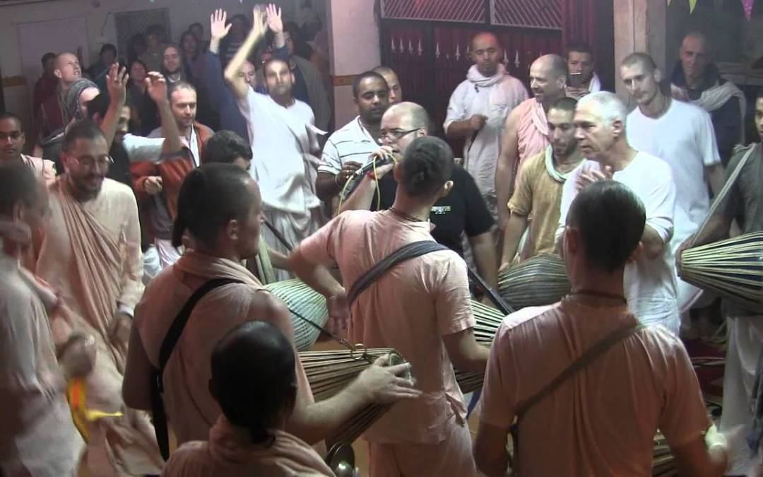 Dancing in Kirtan – Prabhuji and Bhaktas