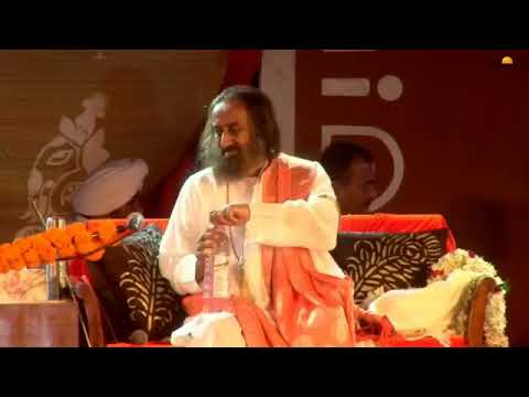 शिव जी भजन लिरिक्स – Shiv Bhajan – Chandra Shekhray namah om with Sri Sri