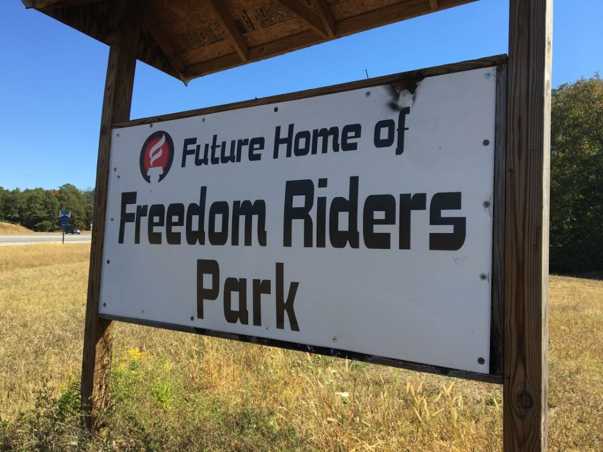 """Freedom rider Hank Thomas calls on Park Service to consecrate Anniston bus burning site as """"holy ground"""""""