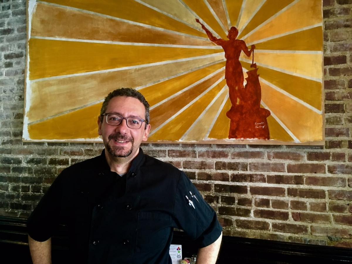 A treasured restaurant and community leader, Forest Park's Silvertron Cafe has closed after 32 years