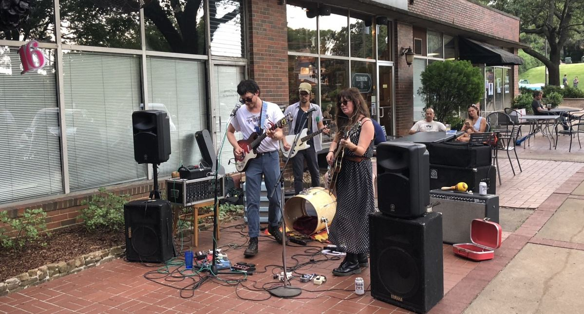 Birmingham's Rojo continues to foster musicians 10 years after Bob Dylan recommended the neighborhood restaurant