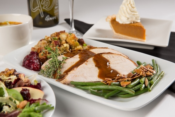 5 ways to plan an unforgettable holiday season—from Thanksgiving to New Year's Eve—with Perry's Steakhouse & Grille in Birmingham