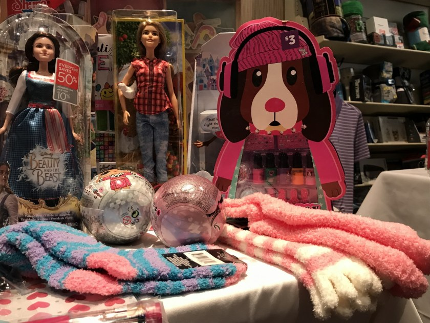 Birmingham, Alabama, Children's of Alabama Sugar Plum Shop 2018, gloves, socks, toys, Christmas