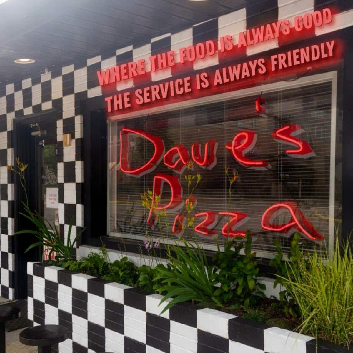 Paw Paw Patch, Dave's Pizza among establishments receiving 95 and above Food Service scores in January